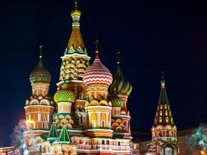 st-basils-cathedral-moscow-at-night-1